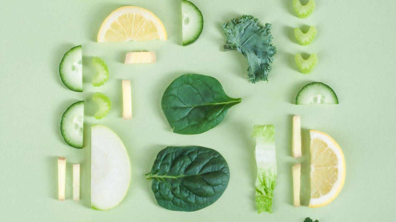 細切れの野菜とレモン