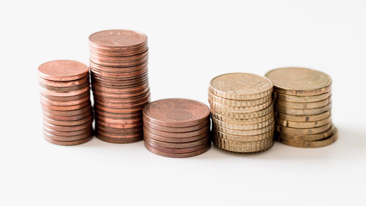 積み上げられたコイン