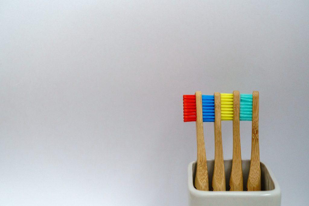 4本の歯ブラシ